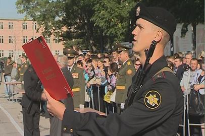 Более 60-ти курсантов ДВВКУ поклялись в верности Родине