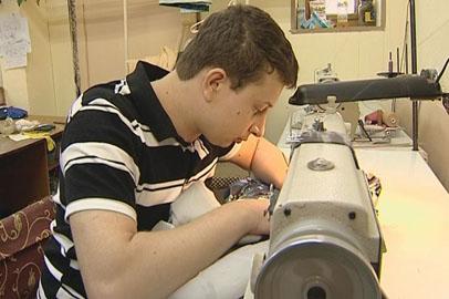 Благовещенскому пенсионеру помешали швейные машинки