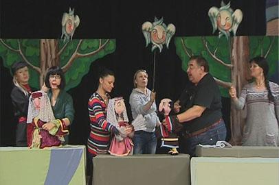 В Благовещенске поставили классический водевиль в кукольном воплощении