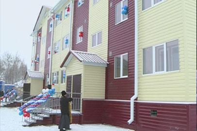 50 талаканцев отмечали праздник в новых квартирах