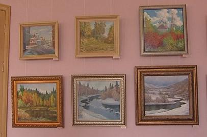 Амурский художник-юбиляр представил пейзажи родного края
