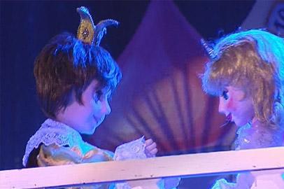 В театре кукол показали старый спектакль в новых декорациях