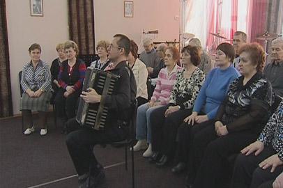 Народный академический хор ветеранов распевается к юбилейному концерту