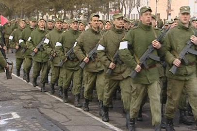 На репетицию парада Победы в Белогорске вышли более 900 военных
