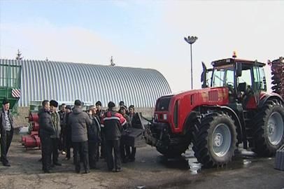 Амурских механизаторов обучили работе на современной сельхозтехнике