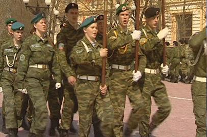 Юные амурские патриоты померялись силами в строевой подготовке