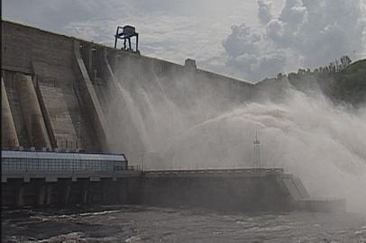 Бурейская ГЭС вдвое увеличила холостые сбросы воды