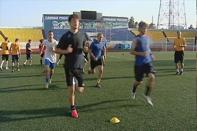 Михаил Путинцев провел первую тренировку с футболистами «Амура-2010»