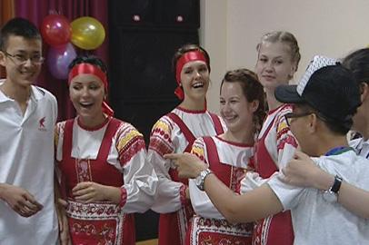 Китайские школьники изучают особенности российской культуры