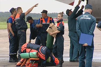 В Приамурье из Москвы прибыли около 80 спасателей и гуманитарный груз