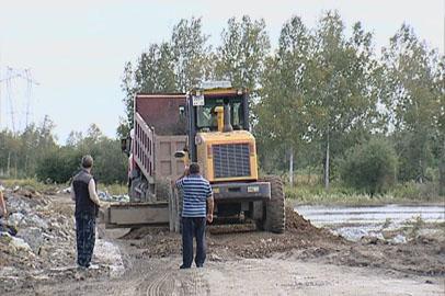 В Амурской области продолжают восстанавливать размытые дороги