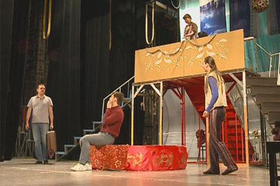 Амурских театралов ждет премьера «Примадонны, или Шоу продолжается»