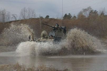 Амурские курсанты обкатывают новые бронетранспортеры