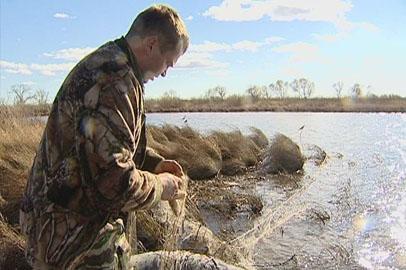 Амурские охотоведы очистили озера от брошенных браконьерами сетей
