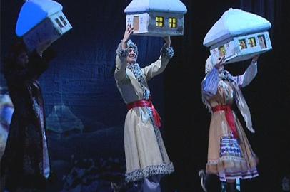 В Амурском драмтеатре показали новогодний спектакль для подтопленцев