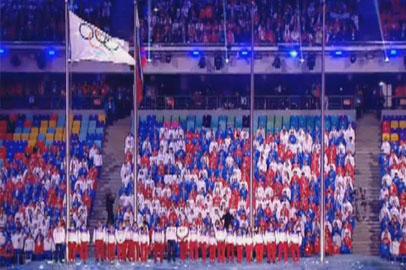 Вокалистки благовещенской студии «Феерия» спели на закрытии Олимпийских игр
