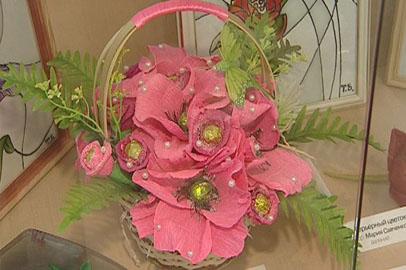 В выставочном зале Благовещенска распустились цветы