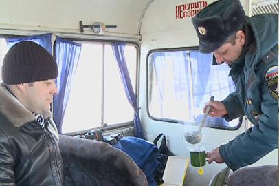 Замерзшим на «федералке» водителям помогут мобильные пункты обогрева