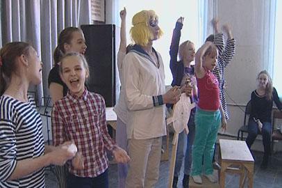 Артисты народного театра-студии «К нам!» отмечают двойной праздник