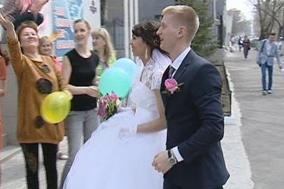 На Красную горку поженились более 30 благовещенских пар