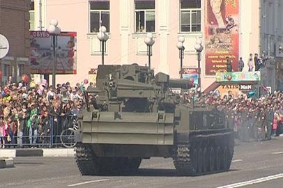В Белогорске в параде участвовала военная техника