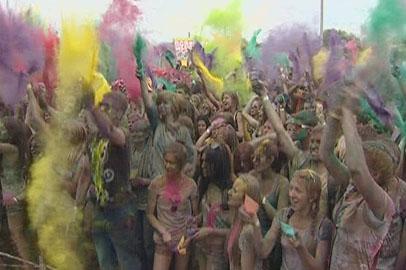 Никто не ушел чистым с фестиваля красок Холи в Благовещенске