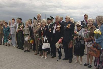 На торжества по случаю годовщины окончания Второй мировой пришли сотни благовещенцев