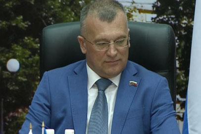 Председателем благовещенской гордумы вновь стал Владимир Кобелев