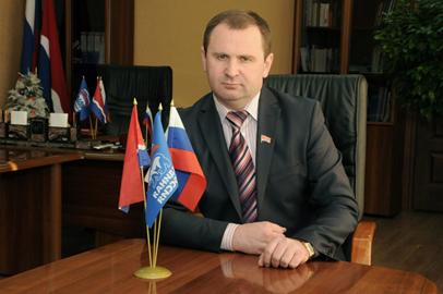 Амурский сенатор принял граждан по личным вопросам