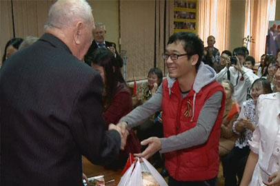 Китайские студенты встретились с амурскими ветеранами Великой Отечественной Войны