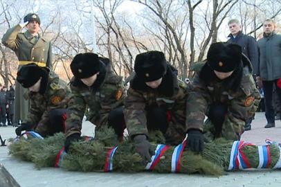 В Сквере Мира почтили память погибших в чеченских конфликтах