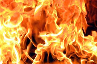 Пожар уничтожил 8-миквартирный дом в поселке Верхнезейск Зейского района