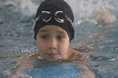 Рождественские заплывы для школьников прошли в бассейне АмГУ