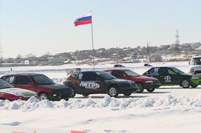 Три благовещенские команды вышли в лидеры чемпионата по ледовым автогонкам