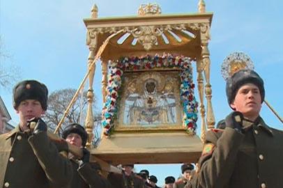 Албазинскую икону пронесли по главной улице Благовещенска