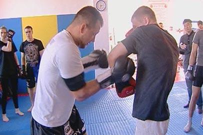 Чемпион мира по кикбоксингу Максим Воронов дал мастер-класс амурским бойцам