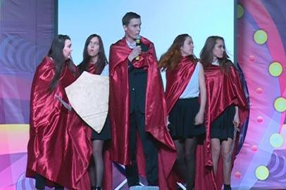 В Благовещенске состоялась полуфинальная игра школьных команд КВН