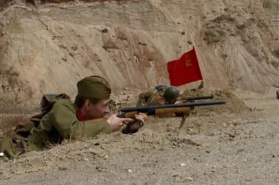 В Благовещенске реконструировали бой между красноармейцами и фашистами