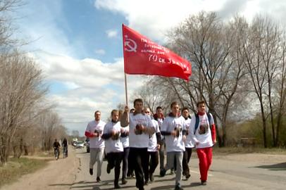 Благовещенские единоборцы пробежали по километру за каждое мирное десятилетие
