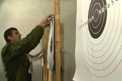 Сотрудники ФСБ со всего ДВ посоревновались в стрельбе из боевого оружия