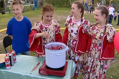 На межнациональном фестивале в Приамурье гостей угощали «Вареньем дружбы»