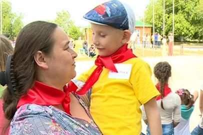 Секреты общения с приемными детьми раскрыли на фестивале в Благовещенске