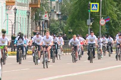 В День города несколько сотен благовещенцев приняли участие в велогонке