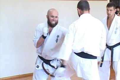 Испытание боем прошел амурский тренер по каратэ