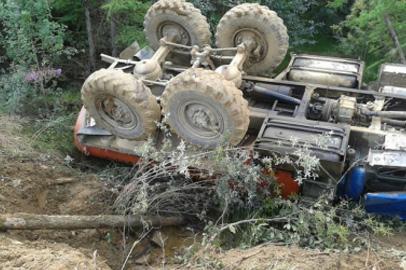 В аварии на дороге Улак-Эльга погиб пассажир грузовика