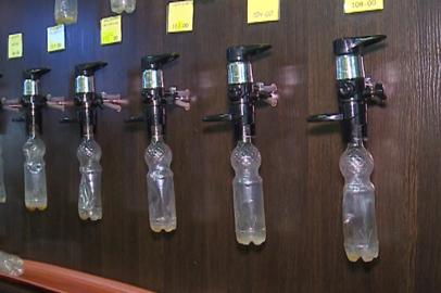 Общественники передали подписи противников пивнушек в домах в приёмную главы Приамурья
