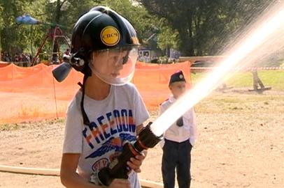 Маленькие благовещенцы попробовали себя в роли пожарных