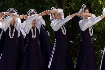 В сквере АОДНТ прозвучали казачьи песни