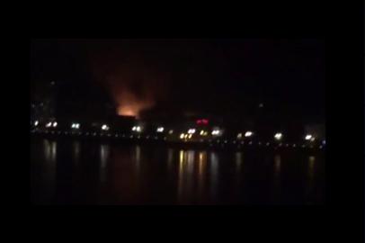 Благовещенцы делятся в соцсетях видео пожара в Хэйхэ