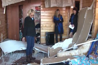 В новостройке микрорайона Таежный в Тынде после порыва трубы рухнул потолок